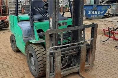 Mitsubishi 3.5 TON FORKLIFT Forklifts