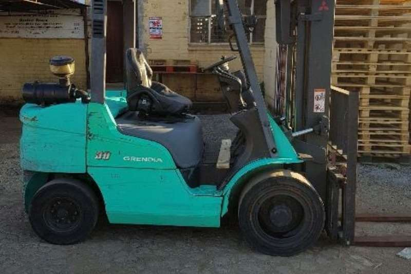 Mitsubishi Forklifts Diesel forklift 3.5ton Mitsubishi FD35 diesel, 4.3m conta 2012