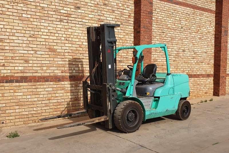 Mitsubishi Forklifts Diesel forklift FD50,5 TON DIESEL FORKLIFT 2015