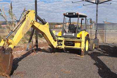 New Holland B90B 4X4 Backhoe loader