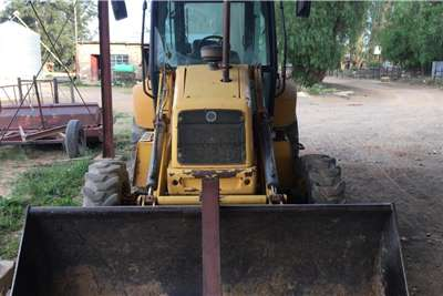 New Holland LB90B TLBs