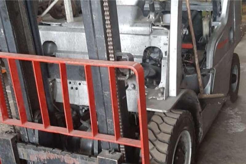 Nissan Forklifts Nissan 21.5 Ton Forklift