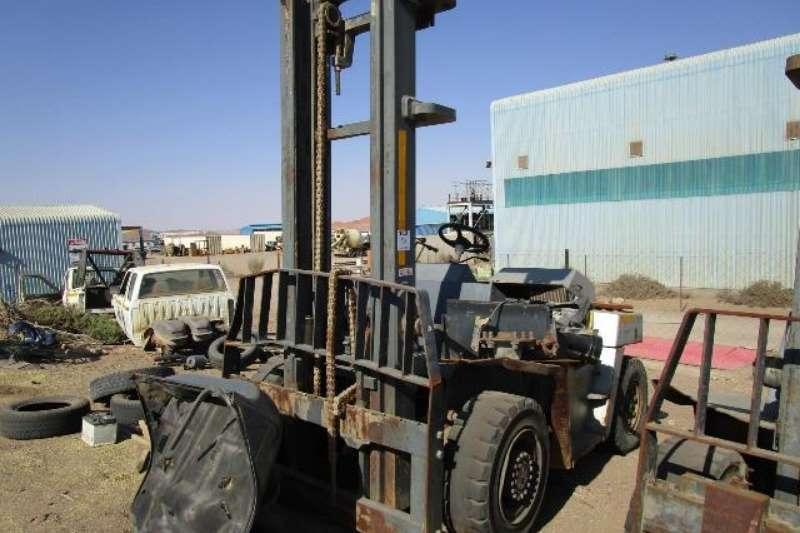 Nissan Forklifts Nissan VF05H50U, Stripped, Forklift