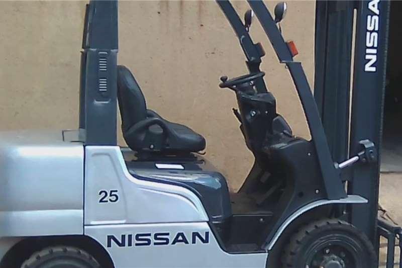 Nissan Petrol forklift 2.5 ton Nissan Forklifts