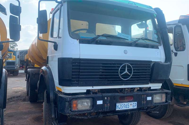 Other 2001 MERCEDES BENZ 1517 WITH CRANE Cranes