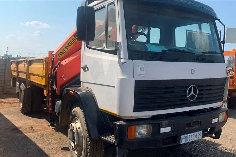 Other Truck mounted 1999 MERCEDES BENZ 1617 FLATDDECK WITH CRANE Cranes