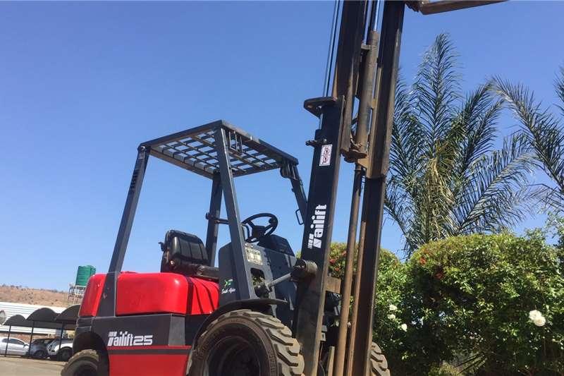Other Forklifts Diesel forklift 2.5 ton Tailift