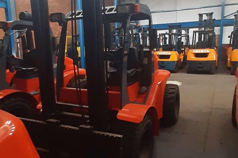 Other Diesel forklift Mast explorer 2week drive. Forklifts