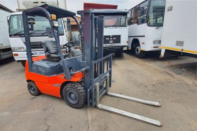 Other Forklifts Diesel forklift RHINO HELI 2012