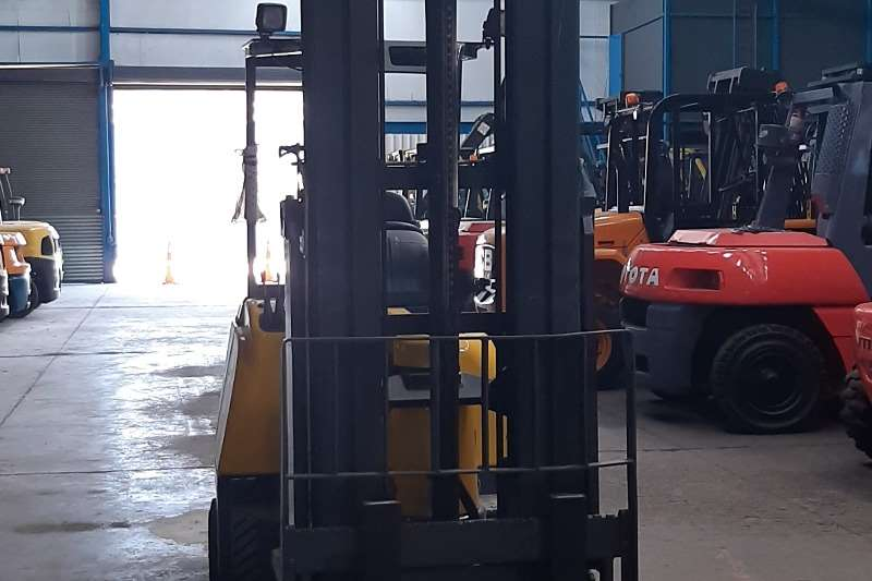 Other Electric forklift Aisle master 2ton VN (very narrow) Forklifts