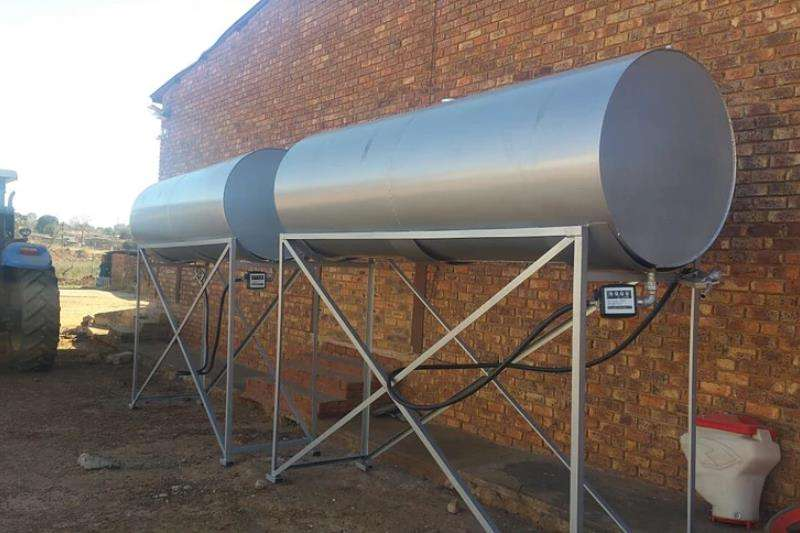 Other Fuel tankers 2000L Mild Steel Tank on Stand 2019