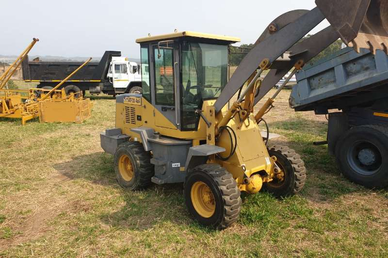 Other Loaders Compact loaders MEERKAT WITH FORKLIFT ATTACHMENT