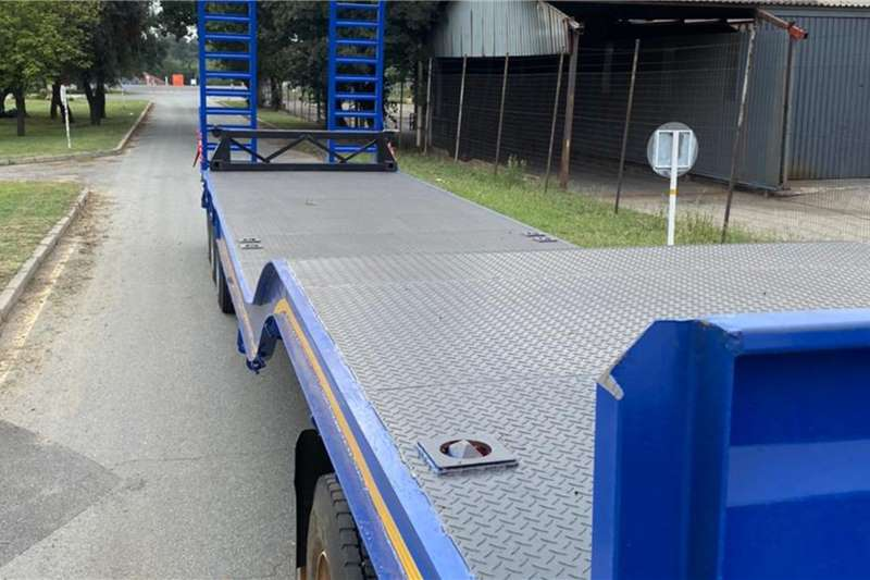 Other Lowbeds New UBT 30 Ton 3 axle lowbed