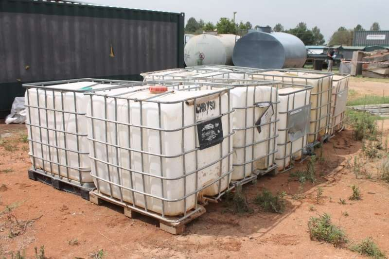 Other Others Plastic Water Tanks in Cages