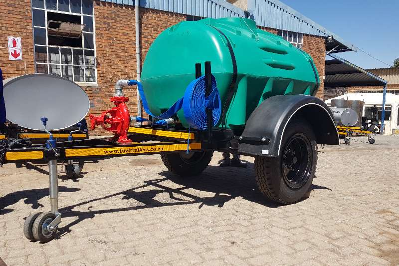 Other Water tankers 2500 liter plastic trailer 2019