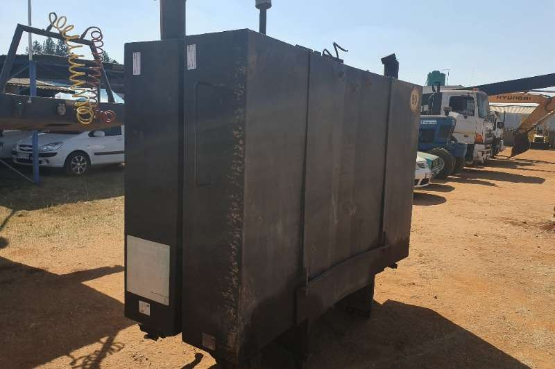 Long Range Diesel Tanks (1000L)   (19 available) Others