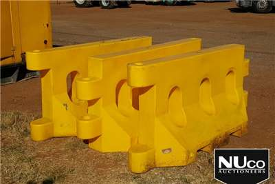 Others TRAFFIC SAFETY BARRICADES
