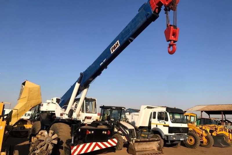 P&H Cranes 25 TON ALL TERRAIN CRANE