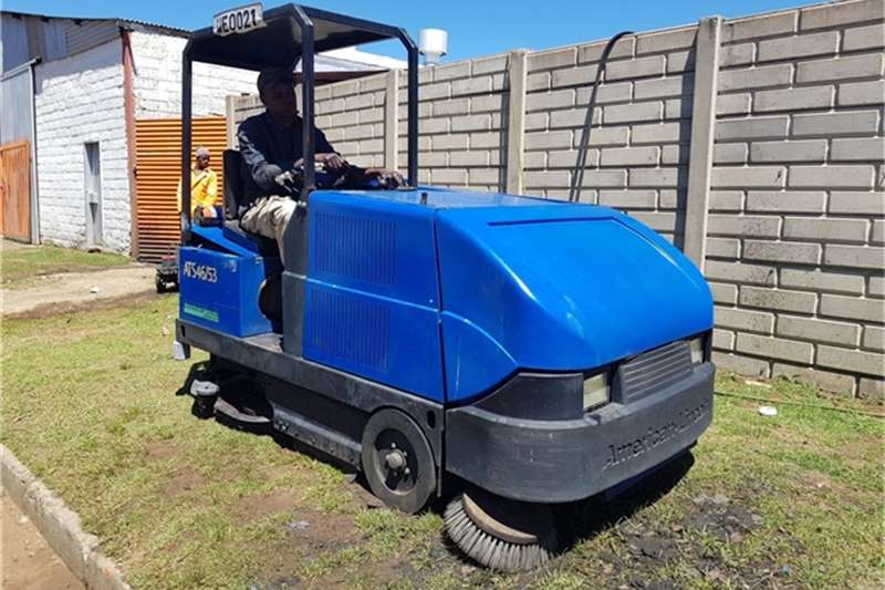Road Broom Forklifts Road Broom Mechanical Sweeper Scrubber