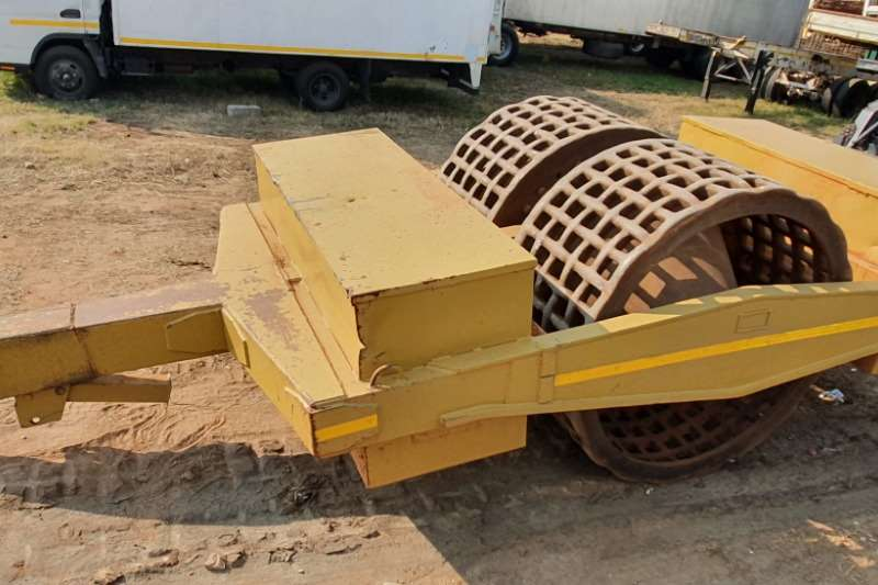 Roller TOW BEHIND GRID ROLLER