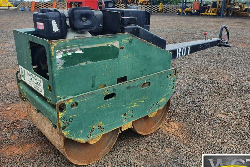 WALK BEHIND ROLLER WITH YANMAR ENGINE Roller