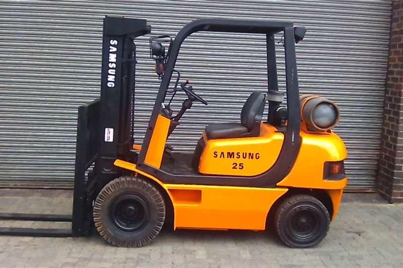 Samsung Forklifts LP gas 2.5 ton Samsung