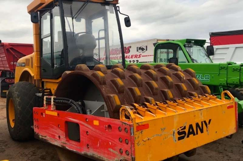 Sany Rollers Vibratory roller Y2K18C 18 TON PADFOOT 2010