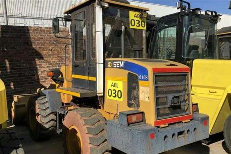 SEM Construction SEM 616B Wheel loader