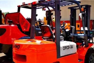 Sino Plant Diesel forklift Forklift 2.5 Ton   Diesel Forklifts