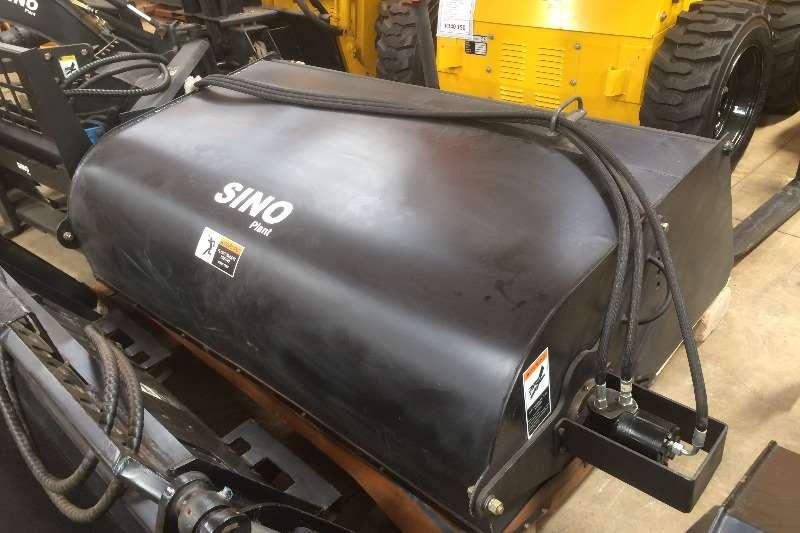 Sino Plant Skid Steer Closed Bin Road Sweeper for JC35/45 Skidsteers