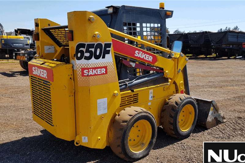 SAKER 650F SKIDSTEER Skidsteer loader
