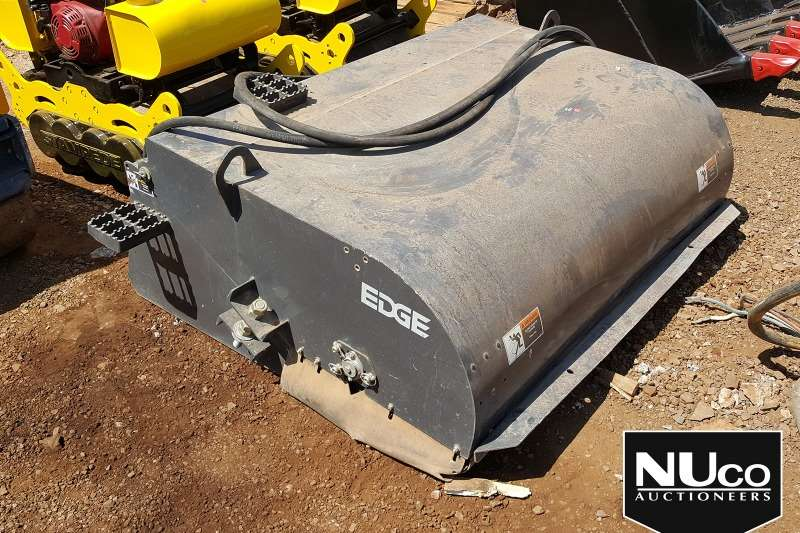 Skidsteer loader SKIDSTEER SWEEPER ATTACHMENT