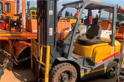 TCM 2009 TCM 25 FORKLIFT Forklifts