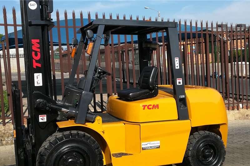 TCM Forklifts Diesel forklift 5 Ton Diesel Powered Forklift