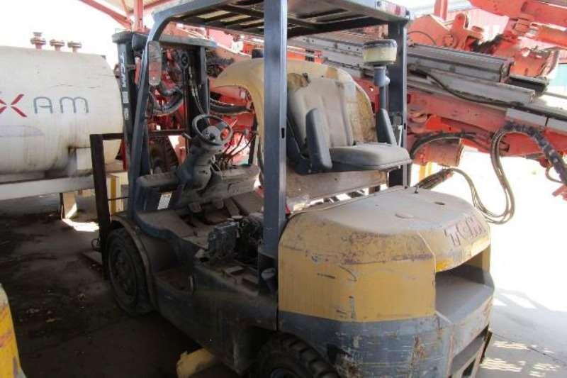 TCM Forklifts TCM FD30T3Z Forklift