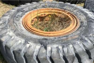 Earthmoving Used Tyres TLBs