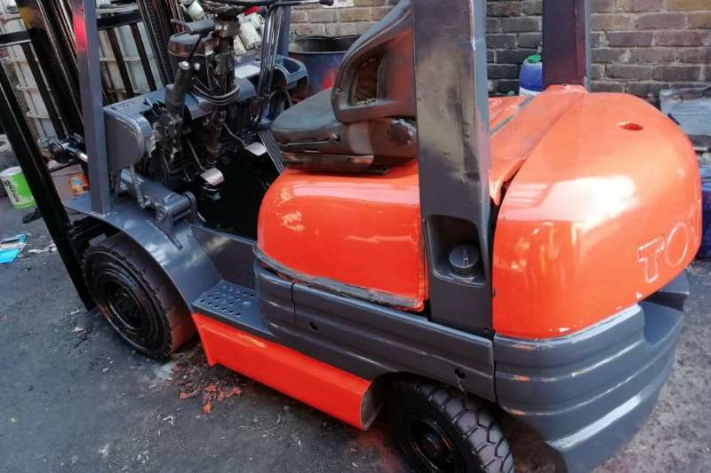 Toyota Forklifts 1.8 Ton Diesel, 3m sideshift, engine refurbished