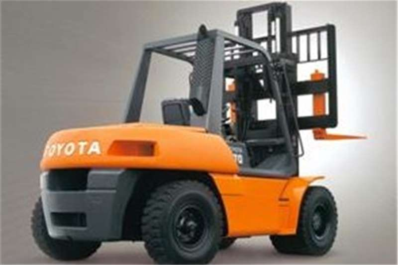 Toyota Forklifts Diesel forklift 4 ton diesel 4.3m Lift,  3 Stage Container Mast 2005