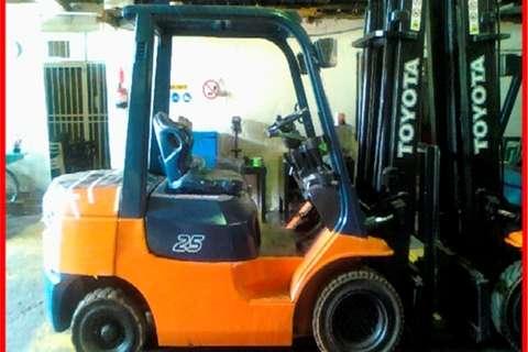 Toyota Forklifts Diesel forklift 4 Ton Diesel 4m 2 Stage Lift 2005