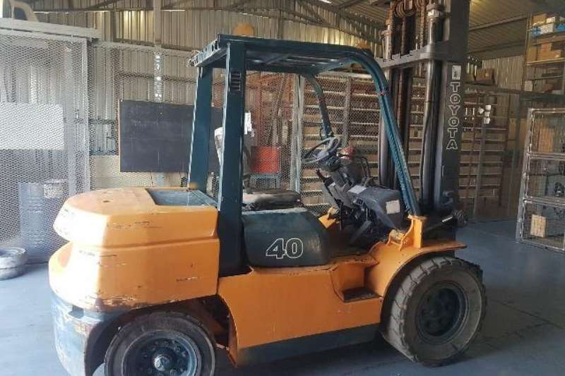 Toyota Forklifts Diesel forklift A late model 4.5ton Toyota 7FD45 forklift, Toyota 2006