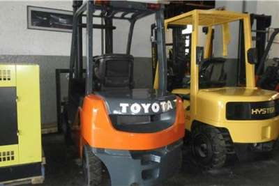Toyota Diesel forklift Toyota 8 SERIES 2 Ton Forklifts