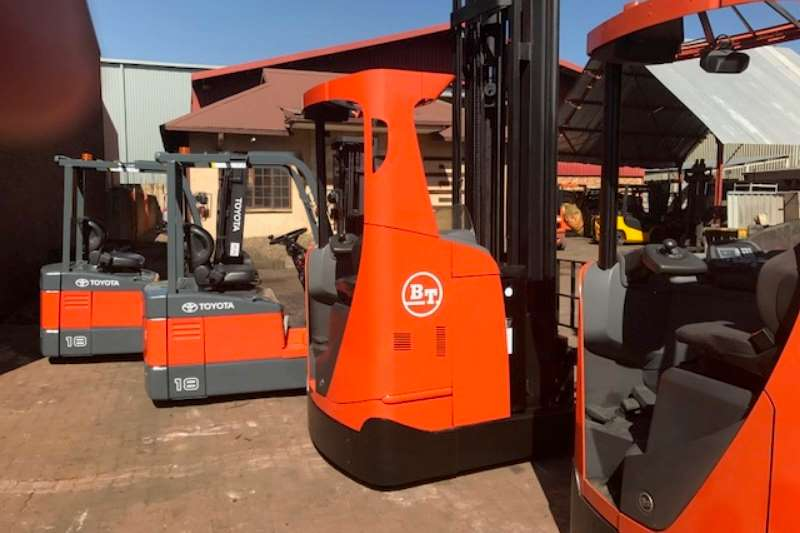 Toyota Forklifts Electric forklift 1.8   3.0 TON TOYOTA ELECTRIC