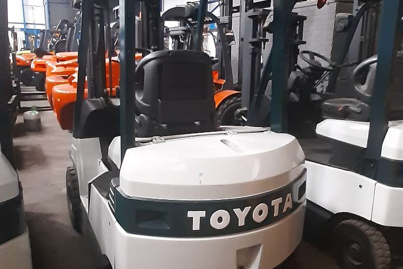 Toyota Electric forklift 7FBH15  18 & 20 Forklifts