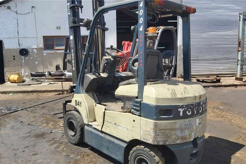 Toyota Forklifts Electric Forklift Battery Operated
