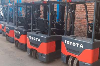 Toyota Electric forklift Container handler 3 wheeler Forklifts