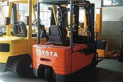 Toyota Electric forklift Toyota 3 WHEELER ELECTRIC Forklifts
