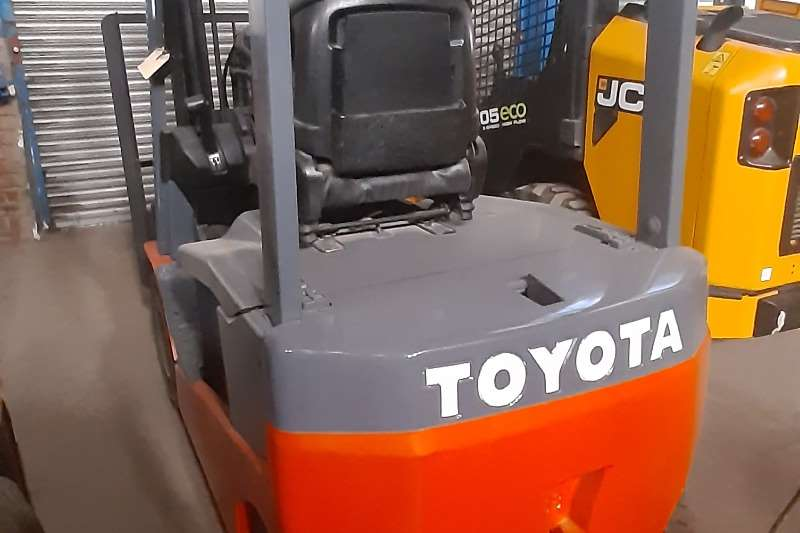 Toyota Electric forklift Toyota 8FBN Electric 4 Wheeler Forklifts