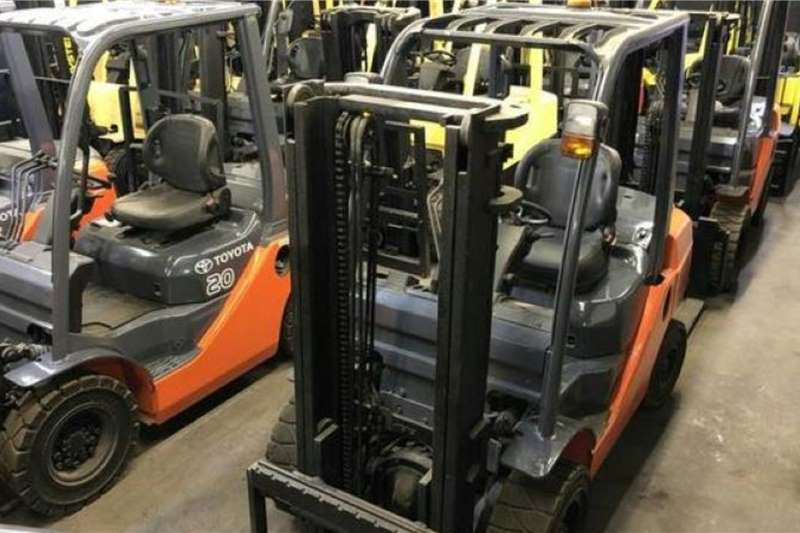 Toyota Material handling Toyota 3TON 72 8FD FORKLIFT Forklifts