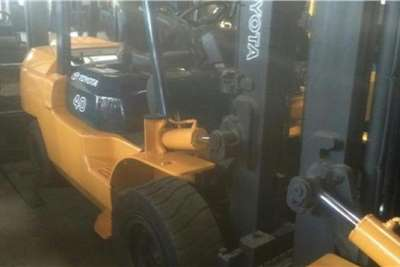 Toyota Material handling Toyota 7 SERIES 4 ton Forklifts