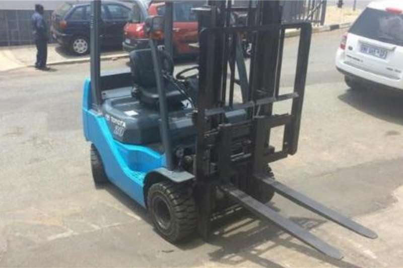 Toyota Material handling Toyota 8 SERIES 2TON COMPACT Forklifts